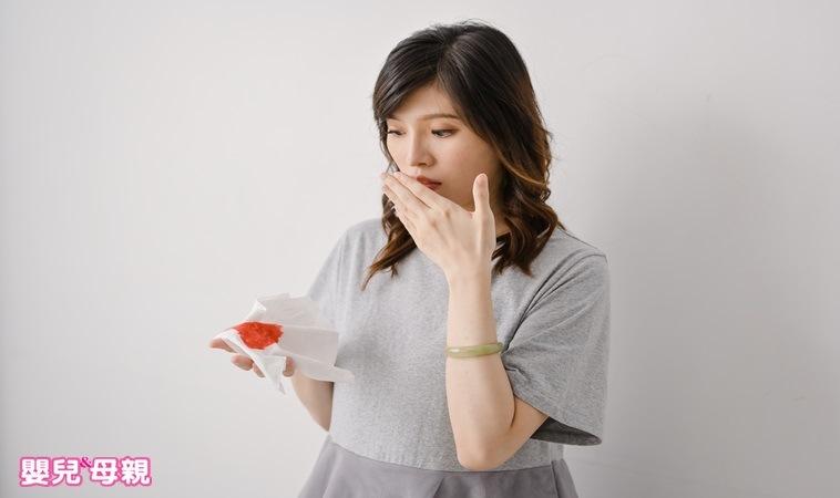 妊娠初期 出血 塊